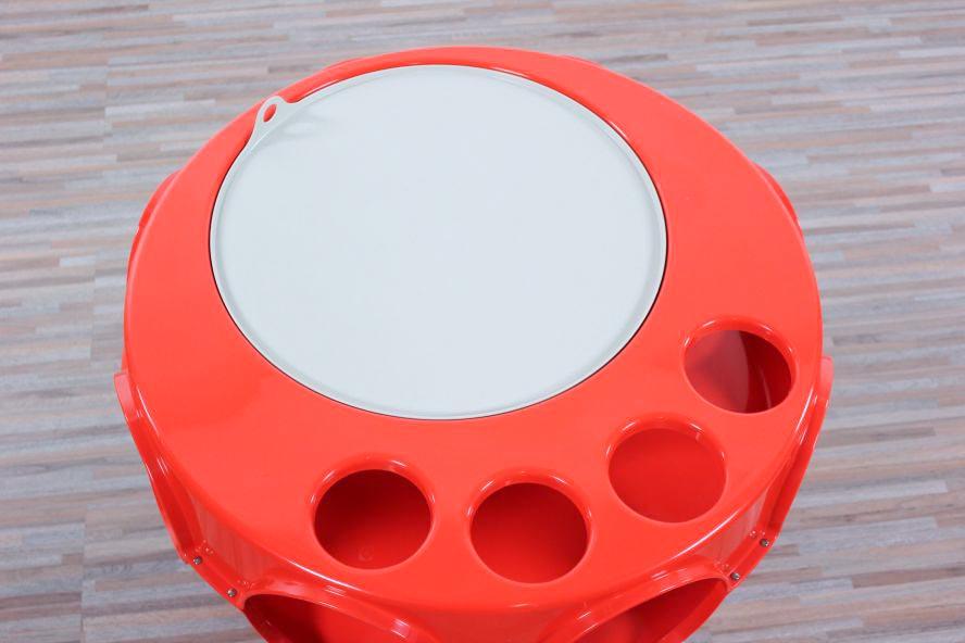 Ufo tisch m bel ideen und home design inspiration for Tisch kugellampe design