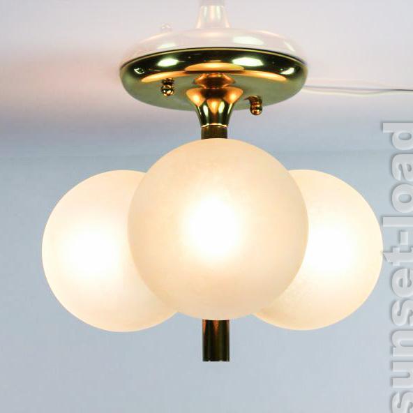alte kaiser decken lampe messing glas kugeln leuchte 60er. Black Bedroom Furniture Sets. Home Design Ideas
