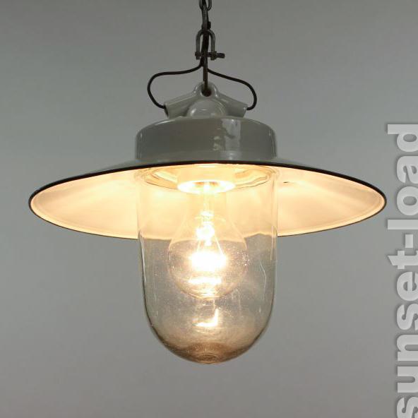 alte industrie lampe porzellan emaille glas innen au en 30er 40er jahre leuchte ebay. Black Bedroom Furniture Sets. Home Design Ideas