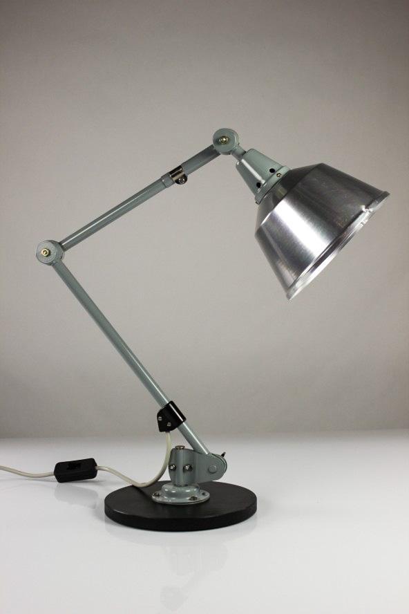 gelenkarm arbeits leuchte schreib tisch industrie lampe veb midgaard kahla ddr 1. Black Bedroom Furniture Sets. Home Design Ideas