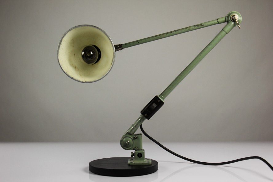 alte sis arbeits leuchte bauhaus gelenkarm lampe schweinfurt 50er jahre vintage. Black Bedroom Furniture Sets. Home Design Ideas