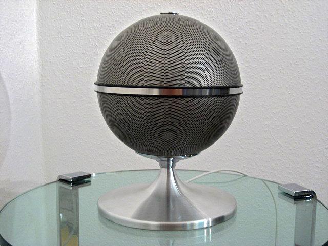 audiorama s auf tisch oder im regal spezialschraube. Black Bedroom Furniture Sets. Home Design Ideas